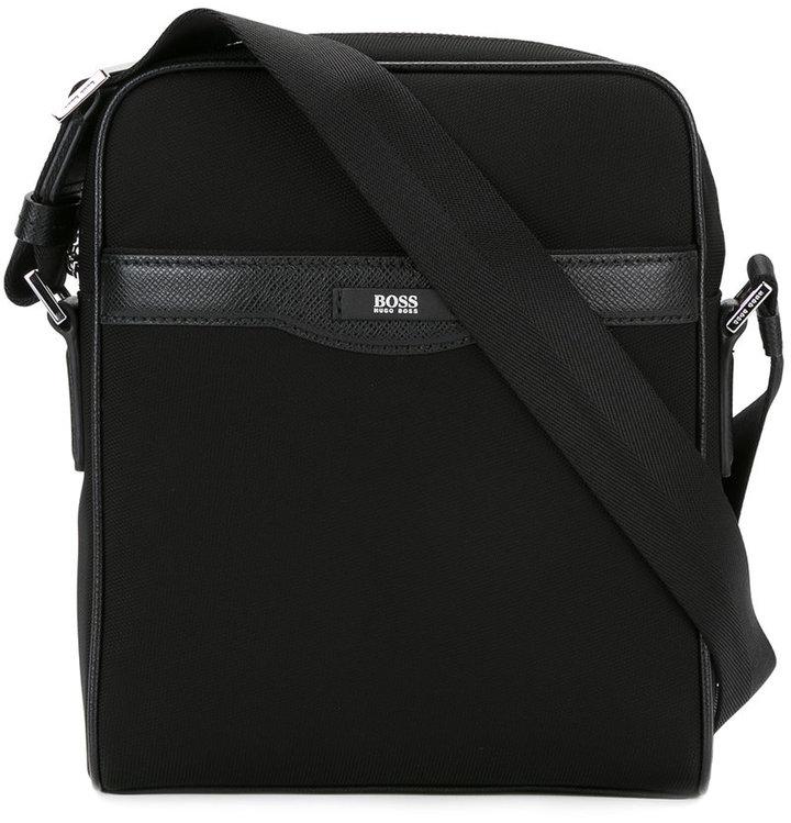Hugo BossBoss Hugo Boss small messenger bag