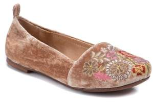 LATIGO Gayla Floral Embroidered Flat