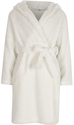 River Island Girls Cream quilted fluffy dressing gown