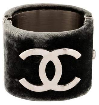 ef56e0a2bd3 Pre-Owned at TheRealReal · Chanel CC Logo Cuff
