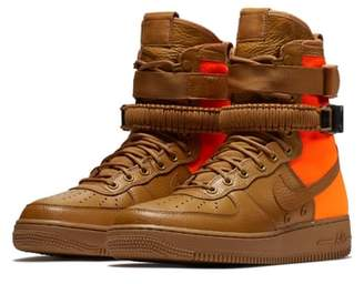 Nike SF Air Force 1 QS High Top Sneaker