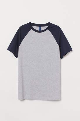 H&M T-shirt with Raglan Sleeves