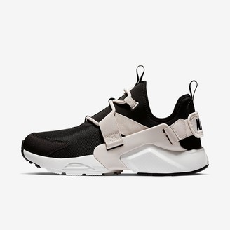 Nike Huarache City Low Women's Shoe