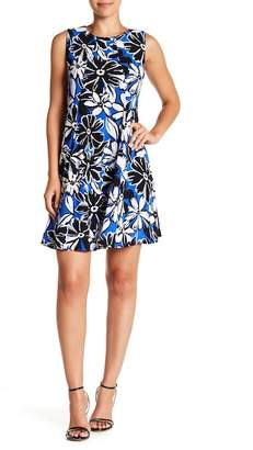 Gabby Skye Sleeveless Floral Trapeze Dress
