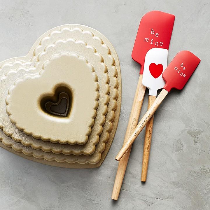 Nordic Ware Scallop Heart Bundt® Cake Pan
