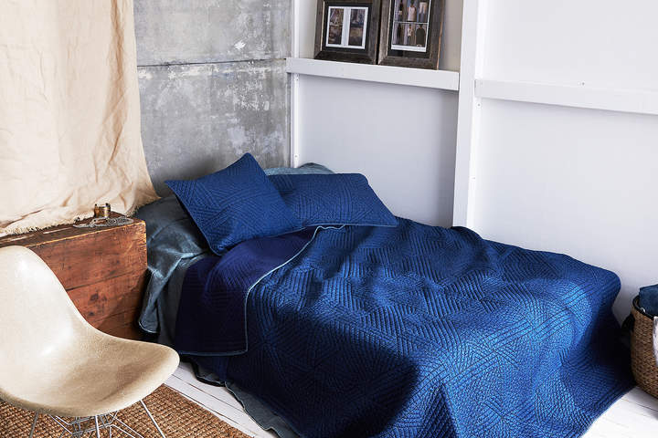 Aeo AEO APT Full/Queen Quilt Set