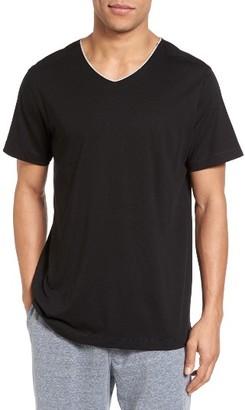Men's Daniel Buchler Peruvian Pima Cotton V-Neck T-Shirt $55 thestylecure.com