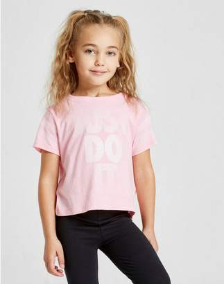 Nike Girls' Just Do It Scoop T-Shirt Children
