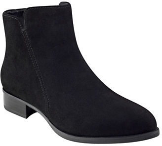 Nine West Nine West Pointy Toe Booties