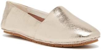 Kenneth Cole New York Jordyn Leather Flat