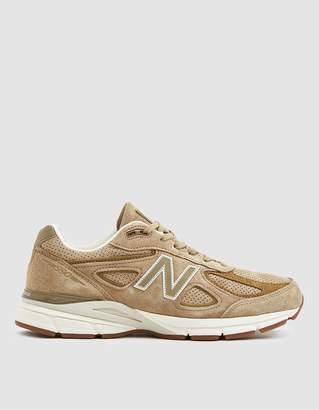 New Balance 990v4 Sneaker in Hemp