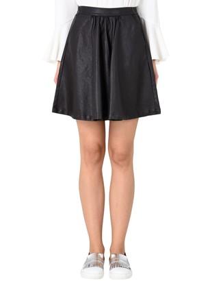 Minimum Knee length skirts