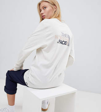 The North Face Exclusive to ASOS Long Sleeve Easy T-Shirt in Vintage White