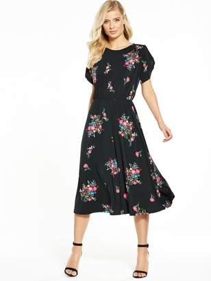 Very Fluted Sleeve Midi Dress