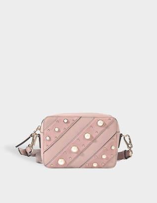Karl Lagerfeld k/ikonik pearls camera bag