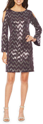 Jessica Howard Long Sleeve Cold Shoulder Chevron Print Shift Dress