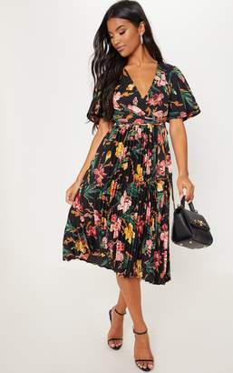 PrettyLittleThing Emerald Green Floral Pleated Midi Dress