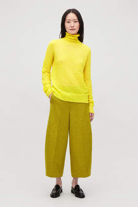Cos CRINKLED RIB-KNIT TOP
