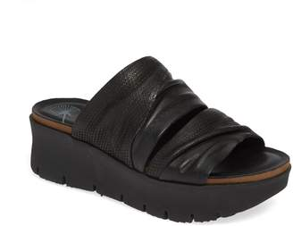 OTBT Weekend Platform Slide Sandal