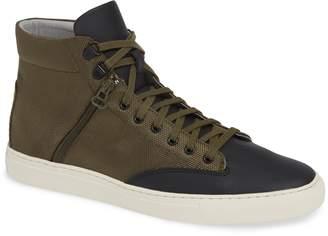 TCG Bom Sneaker