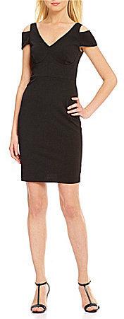 Calvin KleinCalvin Klein V-Neck Short Sleeve Cold-Shoulder Solid Sheath Dress