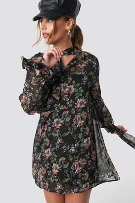 NA-KD Na Kd Dark Floral Print Tie Dress Flower Comb