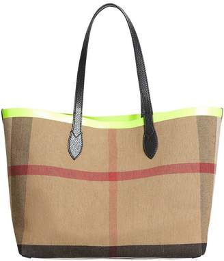 77a83153894a Burberry The medium Giant reversible tote