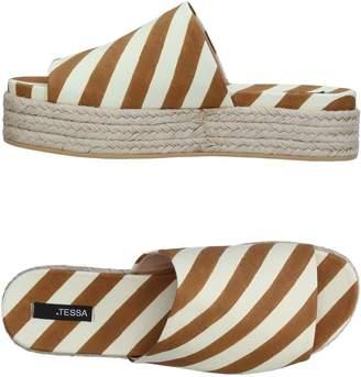 .Tessa Sandals