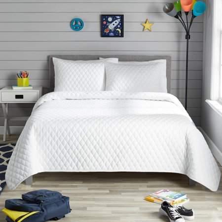 Better Homes & Gardens White Diamond Crochet Quilt Set