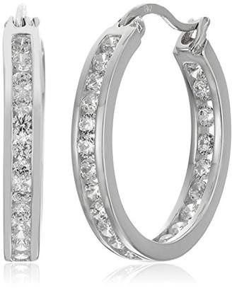 tone Finish Silver Cubic Zirconia Medium Round Hoop Earrings (3/4 cttw)