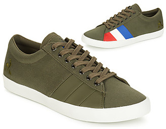 FLAG men's Shoes (Trainers) in Green