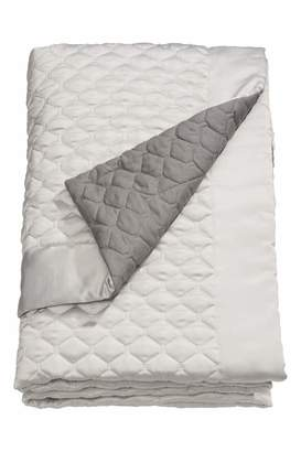 H&M Twin Quilted Bedspread - Beige/gray