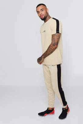 boohoo MAN Signature T-Shirt And Jogger Set