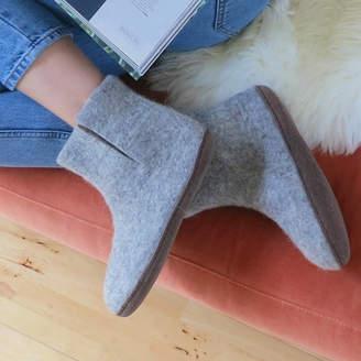 4d160c98b802 Aura Que Fair Trade Handmade Felt Unisex Slipper Boot Suede Sole