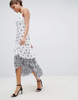 AX Paris Border Print Maxi Dress With Frill Hem