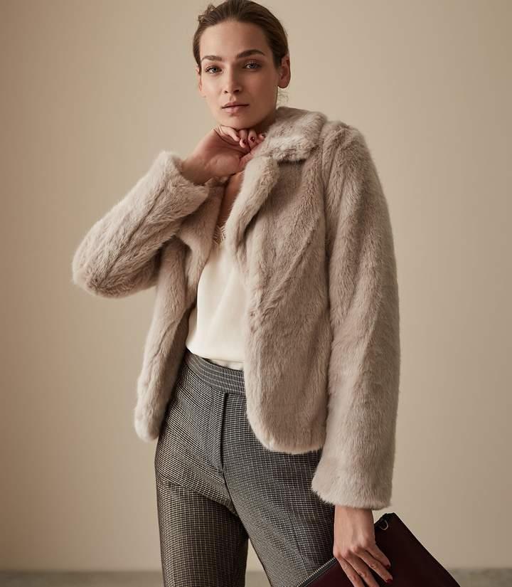 Aila - Faux Fur Jacket in Neutral