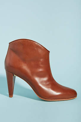 Anthropologie Etienne Aigner Seville Leather Booties