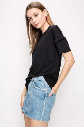 Double Zero Ruffled-Sleeve Black Tee