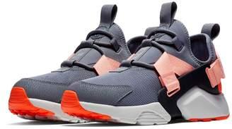 Nike Huarache City Low Sneaker
