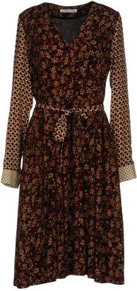 Caractere Knee-length dresses - Item 34732011MB