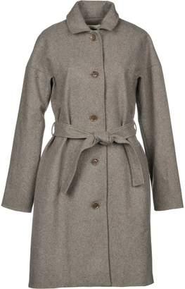 Sessun Coats