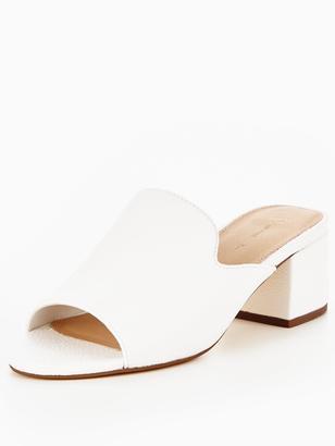 Very Brooklyn Low Block Heel Mule - White