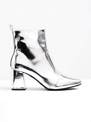 Sol Sana New Solsana Womens Cecile Boot In Silver Leather Boots Ankle