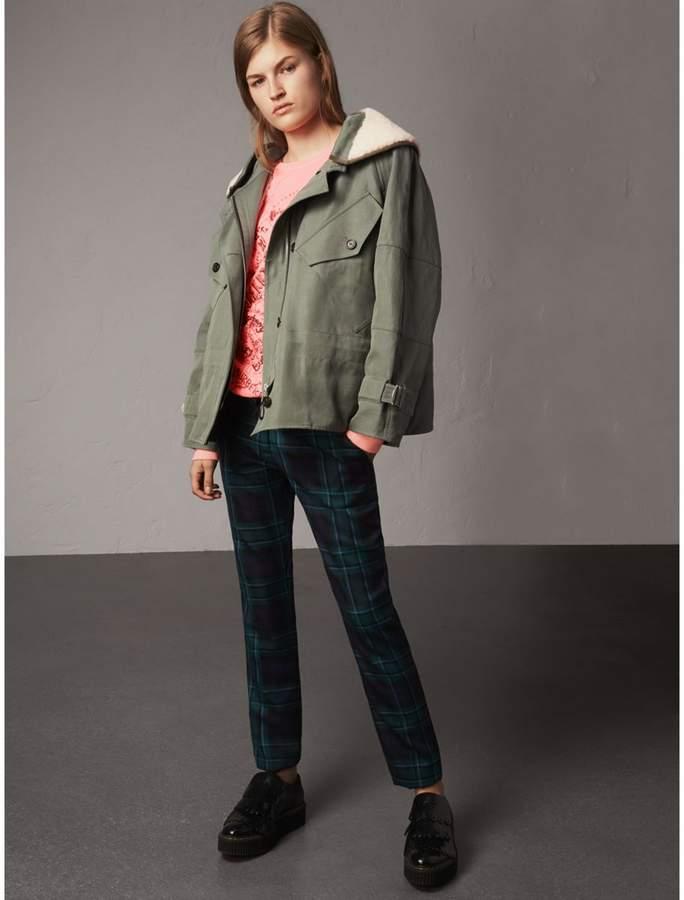 Jacke aus Ramie und Baumwolle mit herausnehmbarem Futter und Lammfellkragen