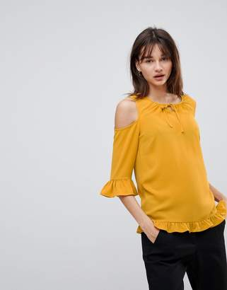 Y.a.s Sussi Cold Shoulder Blouse