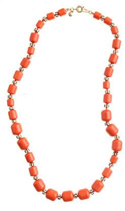 Monotone beaded necklace