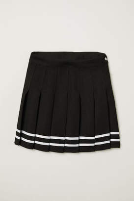 H&M Short Pleated Skirt - Black