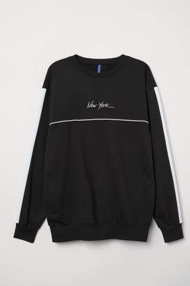 H&M Sweatshirt with Applique - Black