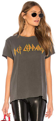 Junk Food Clothing Def Leppard Love Bites Tee
