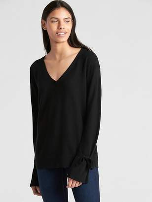 Gap Tie-Sleeve Ribbed V-Neck Pullover Sweater